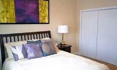 Bedroom, 124 E Market St, 0