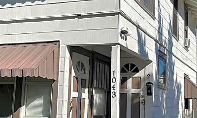 Building, 1043 7th Ave N 2, 1