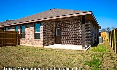 Building, 218 Hidden Springs Dr, 2
