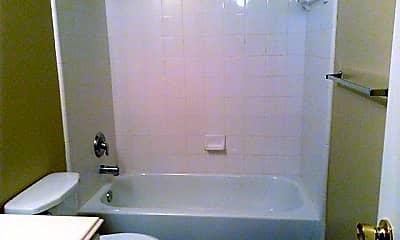 Bathroom, 12123 Glen Crossing Circle, 2