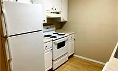 Kitchen, 142 Jennifer Ln, 2