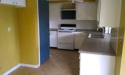Kitchen, 4110 Stratfield Dr, 2