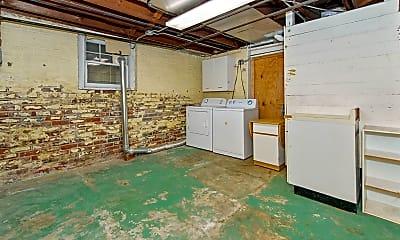 Kitchen, 114 S 39th St, 2