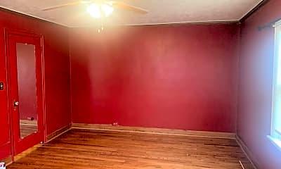 Living Room, 513 N 41st Ave, 2