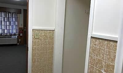 Bathroom, 3020 S 5th Ave, 2