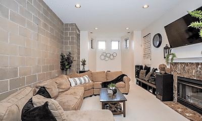 Living Room, 2029 W Evergreen Ave, 2