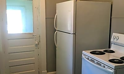 Bathroom, 601 Evergreen Ave, 1