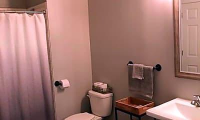 Bathroom, Urban Studio 43, 2