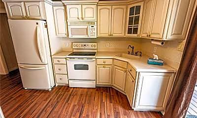 Kitchen, 157 Sycamore Cir, 1