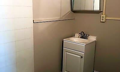 Bathroom, 101 S Coler Ave, 2