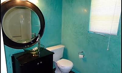 Bathroom, 21 Kingspark Drive, 2