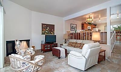 Living Room, 170 N Shore Dr, 1