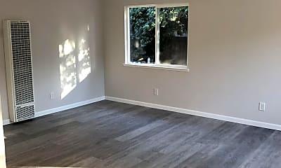 Living Room, 392 Menker Ave, 2