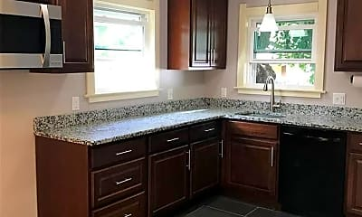 Kitchen, 1750 Duncan Rd, 2
