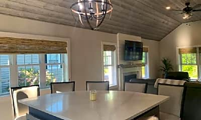 Dining Room, 10 Willow Ln, 1