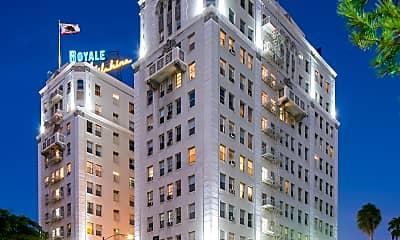 Wilshire Royale, 1