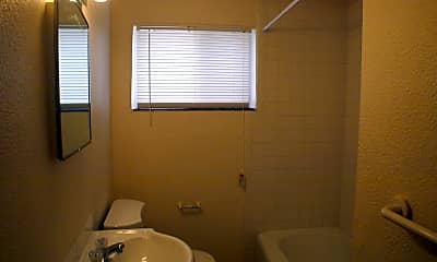 Bathroom, 1507 Hot Springs Ave, 2