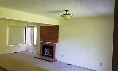Building, 2510 Covington Dr, 1
