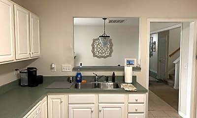 Kitchen, 2018 Bluff View Dr, 0