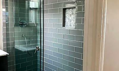 Bathroom, 347 Guerrero St, 2