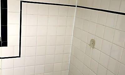 Bathroom, 520 Franklin St, 2