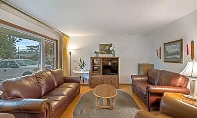 Living Room, 3421 Yukon Ave N, 1