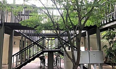 Building, 668 McVey Ave, 0