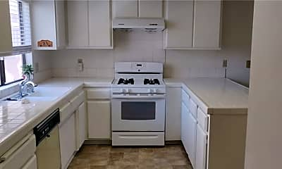 Kitchen, 107 E Beacon St C, 1