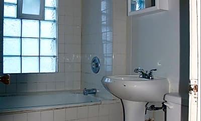 Bathroom, 3516 N 15th St, 1