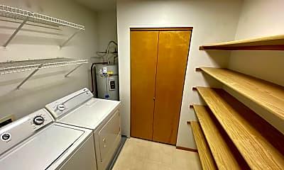 Bathroom, 2690 Alderwood Ave, 2