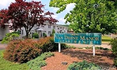 Landscaping, Van Deene Manor Apartments, 0