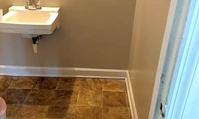 Bathroom, 2103 Rondo St, 2