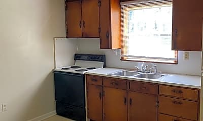 Kitchen, 2826 Idlewild Blvd NE, 1