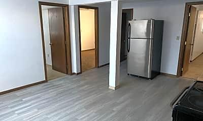 Kitchen, 1114 College St N, 1