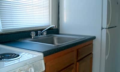 Kitchen, 1325 Wadsworth Ave, 2
