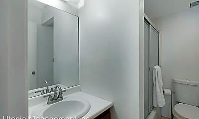 Bathroom, 5300 Waverly Drive G9, 2