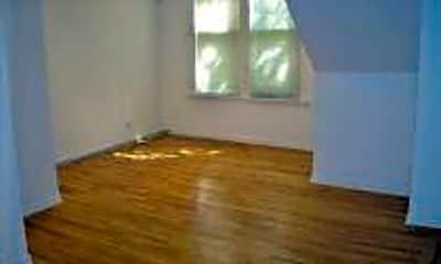 Living Room, 3250 N Lakewood Ave, 1