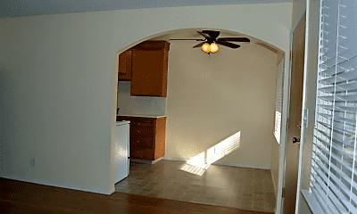 Living Room, 5481 Carlson Dr, 1