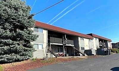 Building, 720 E Berkeley St, 2