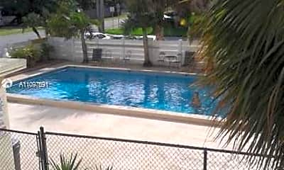Pool, 1425 Arthur St 212, 1