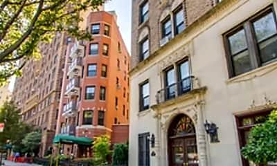 Building, 39 Plaza St W MB, 2