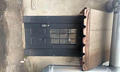 Building, 660 N Salina St, 2