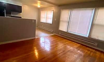 Living Room, 8023 S Ellis Ave, 2