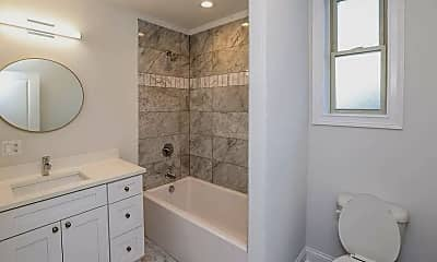 Bathroom, 1314 West Wrightwood Avenue, Unit 2R, 2