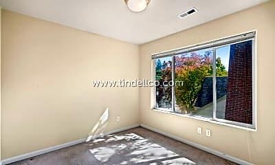Bedroom, 8223 N Foss Ave, 2