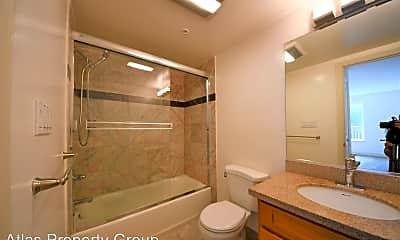 Bathroom, 3165 Mission St, 2