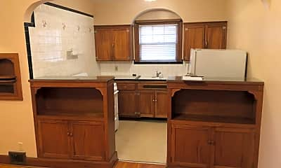 Kitchen, 2419 Blvd Napoleon, 1