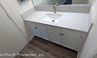 Bathroom, 3211 Eichenlaub St, 1