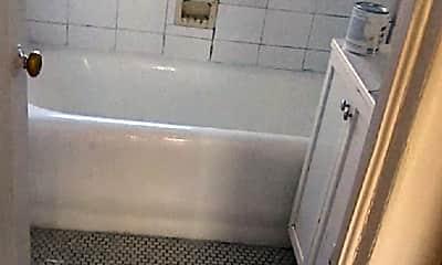 Bathroom, 840 E 81st St, 1
