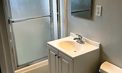 Bathroom, 640 Grand Ave, 2
